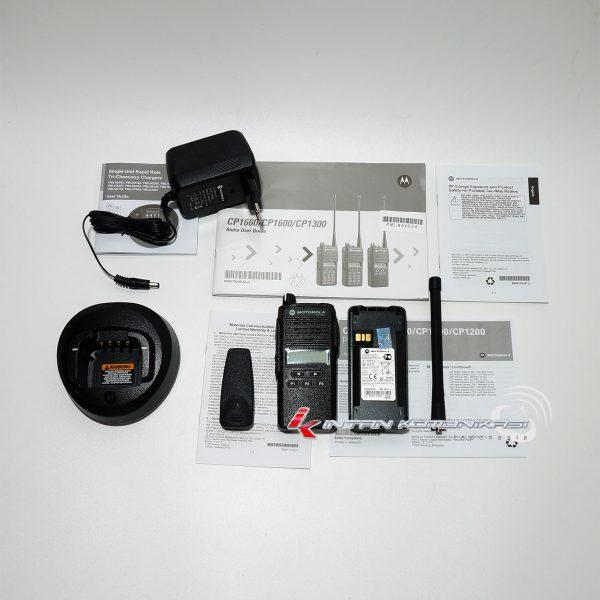 Kelengkapan HT Motorola CP1300 VHF