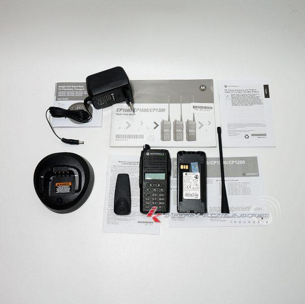 Kelengkapan HT Motorola CP1660 UHF: 403-447 MHz